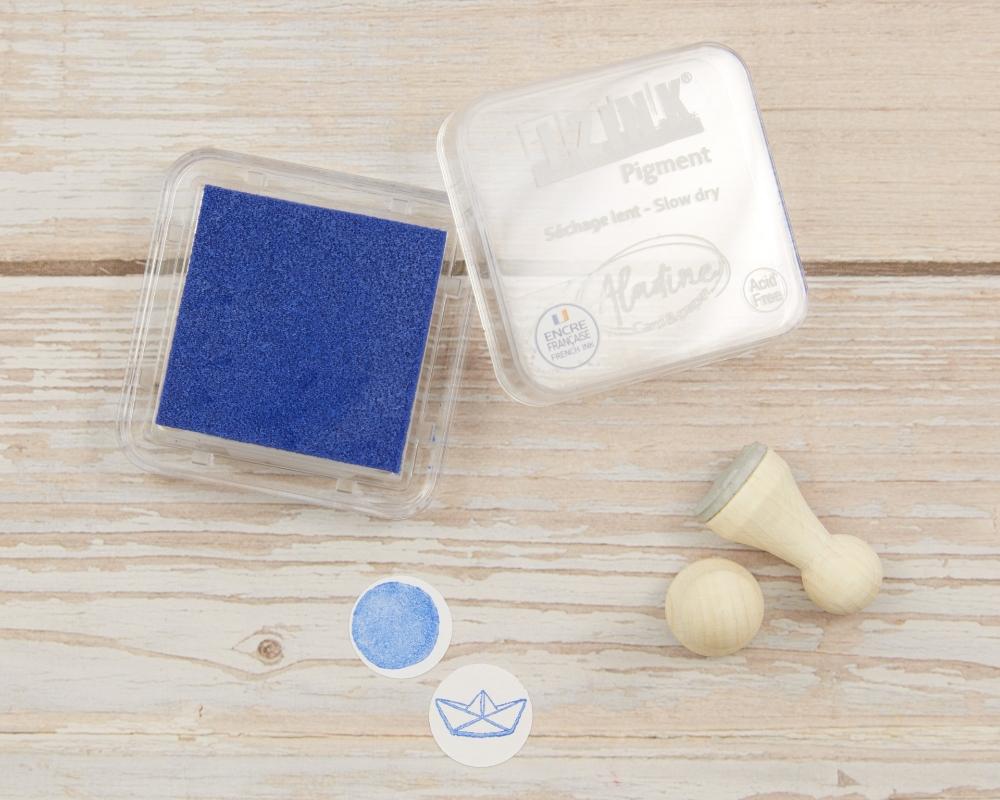 Mini-Stempelkissen light blue, mittelblau, 38 x 38 mm, säurefrei, farbbeständig