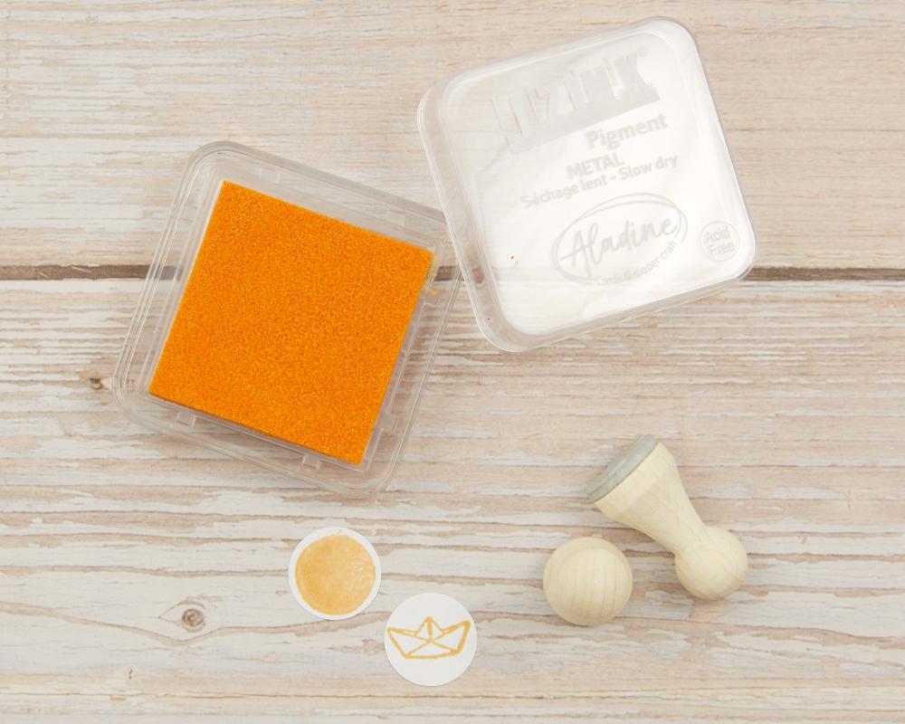 "Picture of Stempelkissen orange metallic// Pigment Ink Pad Aladine iZink ""Metal Yellow"""